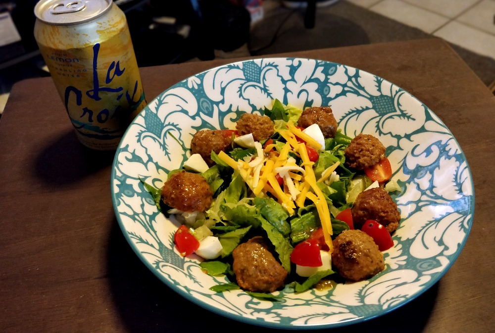 Mixed Greens Salad with Meatballs